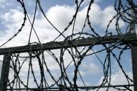 Policistu piekāvušie briti sūdzas par apstākļiem Centrālcietumā