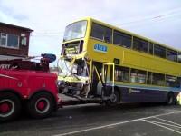 Atkal avarē autobusi - foto