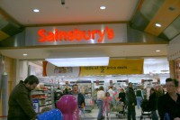 Ziemeļīrijas veikalos rit neprātīga iepirkšanās