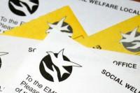 Kavēsies sociālo pabalstu čeku saņemšana