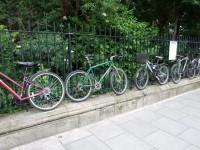 Latvietis saņem balvu kā vecākā velosipēda īpašnieks