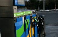 Pusnaktī pacels degvielas cenas