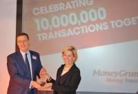 Ātrums, ērtība, pieejamība - MoneyGram International