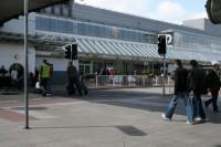 Aviopasažieri tiek aicināti pārliecināties par lidojumiem