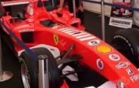 F1 automašīnas Dublinas ielās
