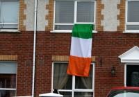Īri līksmo