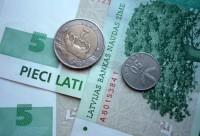 Latvijā samazina nodokļus