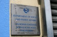 Eiropas Komisija kritizē Īrijas sociālo sistēmu