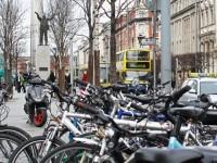Mazajiem velosipēdistiem ķiveres būs obligātas