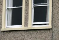 Dublinā, izkrītot pa sestā stāva logu, gājusi bojā maza meitenīte