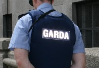 Latvijas valstspiederīgais Īrijā apsūdzēts par ieroču glabāšanu