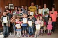 Droghedas skoliņas audzēkņi saņem izglītības ministra pateicības rakstus