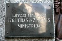 Ministrs ar Īrijas latviešiem apspriež sadarbību latviskās izglītības jautājumos