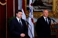 Dombrovskis paziņo par viņa vadītās valdības demisiju