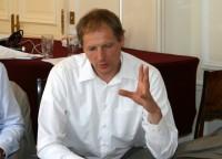 ELA pārstāvji tiekas ar ES attīstības komisāru Andri Piebalgu