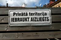 """Aicina parakstīties par iniciatīvu """"Latvijas zeme Latvijas pilsoņiem"""""""