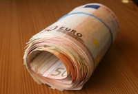 Īrijas mājsaimniecību vidējie ienākumi samazinājušies par 15%