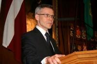 Nekā personīga pret Lubānu, Latvijas vēstnieku Īrijā vai latviešu biedrībām