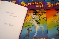 ĪLNP skoliņām dāvina Ingas Puriņas grāmatu