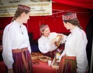 """Latvijas Kultūras dienas pasākumos varēs iet rotaļās, mācīties dzīvot """"zaļi"""" un baudīt nacionālos ēdienus"""