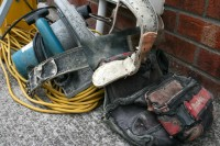 Drošības noteikumu pārkāpumi uzņēmumā noveduši pie darbinieka bojāejas