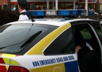 Ziemeļīrijā par uzbrukumu draudzenei tiesā latvieti