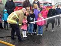 LINI apmeklē Newry ugunsdzēsēju depo