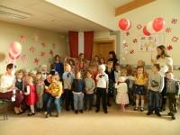 Droghedas skoliņa svin Latvijas dzimšanas dienu