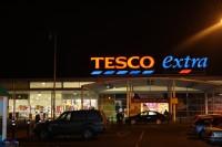 <em>Tesco</em> veikali Īrijā netiks slēgti, bet 90 darbiniekus atlaidīs