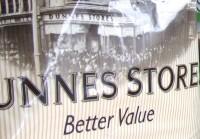 <em>Dunnes Stores</em> darbinieki plāno streikot