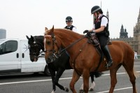 Britu iestādes pauž satraukumu par ārvalstu noziedznieku iekļūšanu valstī