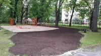 Lielbritānijas latvieši palīdz atjaunot sporta laukumu Strazdumuižas skolai