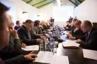 Deputāti: jādod skaidrs signāls, ka valsts gatava tautiešiem palīdzēt atgriezties uz dzīvi Latvijā