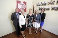 Iveta Vējones kundze ar PBLA pārrunā diasporas izglītības jautājumus