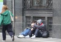 Vēstnieks G.Apals pauž bažas par bez pajumtes palikušo tautiešu situāciju Īrijā
