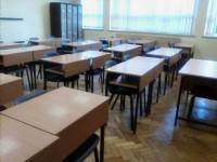 Simtiem Īrijas vidusskolu pēc brīvlaika darbu neatsāks