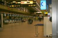 Rīgas lidostā paplašinās drošības kontroles zonu