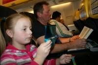 Turpmāk arī uz Īriju un Lielbritāniju bērni varēs ceļot bez pilnvaras