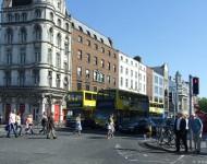 Dublinu 4 apsēdušas mušas