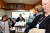 LVA dāvina grāmatas Īrijas un Ziemeļīrijas mobilajai bibliotēkai