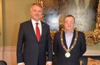 Vēstnieks tiekas ar Īrijas amatpersonām