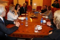 Organizāciju vadītāji ar deputātiem pārrunā situāciju Latvijā