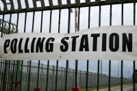 Rietumu piekrastes salu iedzīvotāji referendumā balso jau šodien