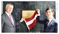 J.Sīlis svinīgi atklāj Latvijas Goda konsulāts Lisabonā