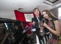 Titulu <em>Swords Gada jaunais mūziķis</em> ieguvusi Kristīne Bodrova