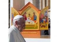 Pāvests Francisks lūdz piedošanu par katoļu baznīcas kalpotāju grēkiem