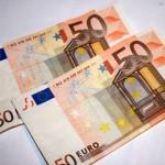 Ierosina nākamā gada budžetā paaugstināt strādājošo PRSI iemaksas