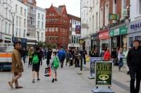 Deputāte noliek mandātu un pārceļas uz dzīvi Īrijā