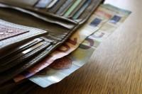 Trešdaļa Latvijā strādājošo mēnesī saņem Īrijas nedēļas minimālo algu