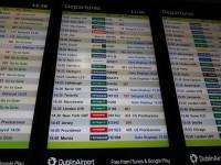 Dublinas lidosta lūdz pasažierus neiesaiņot Ziemassvētku dāvanas